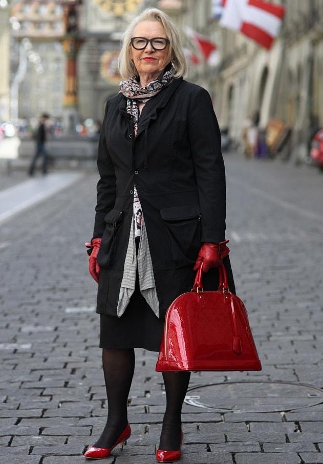 Стильно одетые женщины после 50
